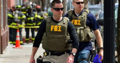Român, zece ani pentru șantajarea unei milionare din SUA. Unul dintre partenerii săi, căutat de FBI