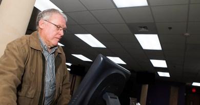 (Image) Doyle Jennings of Oak Hills Church monitors power use as part of CPS Energy's Demand Response program