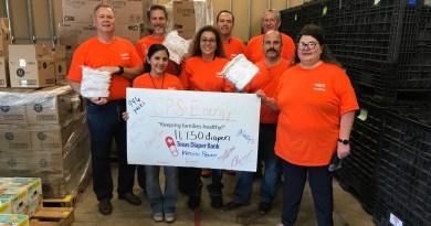 Texas Diaper Bank volunteers