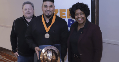 (Image) Employee Receives Prestigious Company Safety Award