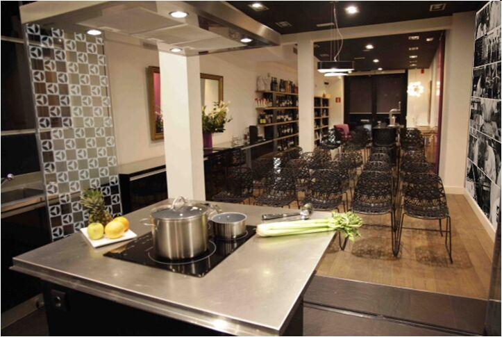 Electrolux y su nueva Gama Inspiration Range equipan la escuela de cocina Kitchen Club  Planeta Electrolux Espaa
