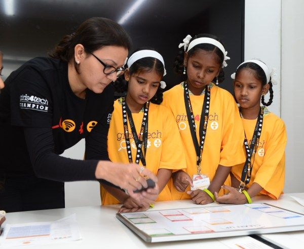 Mastercard Girls4tech Commits Empower 200 000 Women