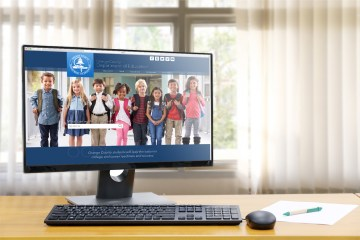 Desktop computer displaying OCDE.us