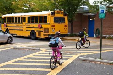 Kids arriving for school