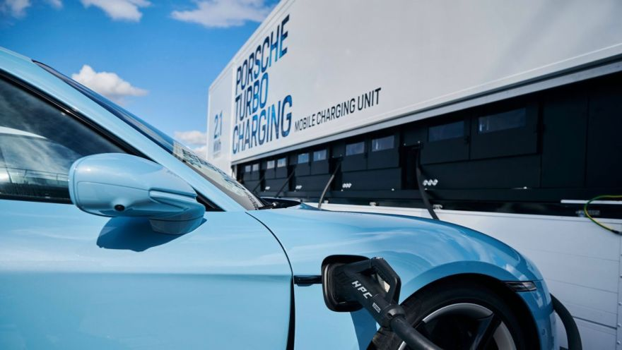 Taycan Turbo S, High-power charging truck, 2020, Hungaroring, Budapest, Hungary, Porsche AG