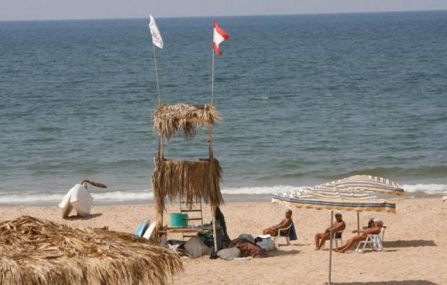 Shacks and kiosks were removed from the Ramlet al-Baida beach earlier this week | Source: Marwan Tahtah