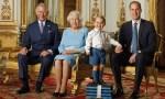 Апрель 2016: Принц Джордж (восхитительно) достиг новых высот в королевской почтовой фотосессии со своим отцом принцем Уильямом, дедушкой принцем Чарльзом и прабабушкой Королевой Елизаветой. Фото: Ranald Mackechnie / Royal Mail / Getty Изображения