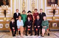 Королева Елизавета II Уильям Диана Гарри