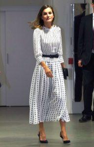 18 сентября 2018 Летиция присутствовала на мероприятии в Саламанке в платье Massimo Dutti.