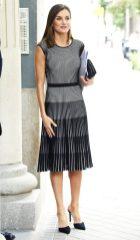 13 июля 2018 Консорт присутствовала на рабочей встрече для AECC в Мадриде, одетая в черно-белое полосатое платье Hugo Boss Franca (которое она первоначально носила в сентябре 2017 года).