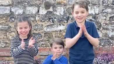 Photo of Маленькие Кембриджи вместе с королевской семьей отдали дань работникам здравоохранения