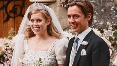 Photo of Принцесса Беатрис вышла замуж в фамильной тиаре и в платье своей бабушки — Елизаветы II