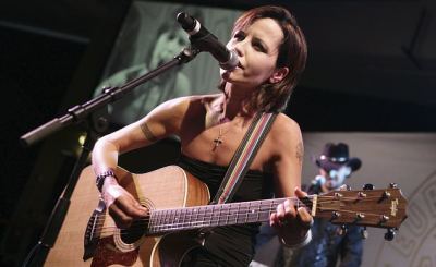 Dolores - Dolores O'Riordan, voice of The Cranberries, is dead