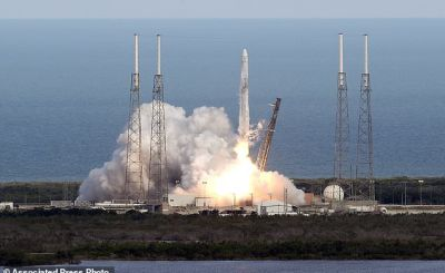 SpaceX Falcon 9 Rocket - SpaceX launches used supply ship on used rocket for NASA
