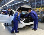 """Companiei FORD îi este teamă de Volkswagen. Un parteneriar ar fi un """"dans delicat"""""""