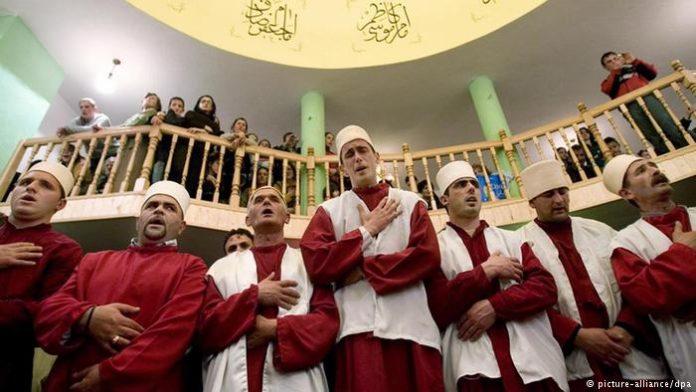 Βάζουν ιρανικό κινηματογράφο στο μάθημα των Θρησκευτικών – Διδασκαλία με αναφορές στον Αλλάχ!