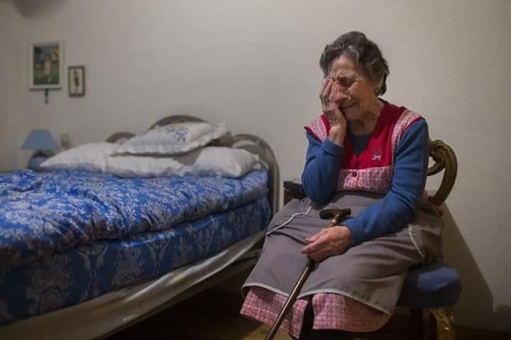 Ηλικιωμένη γυναίκα 72 χρονών (Ε. Γκ), με αγροτική σύνταξη 300 ευρώ, έχασε το Σπίτι της