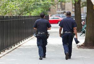 Αστυνομικοί σταμάτησαν ΙΧ για έλεγχο και βίασαν την 18χρονη οδηγό
