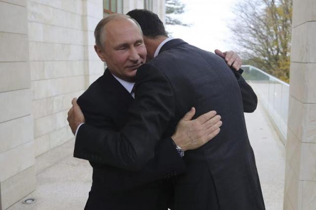Ο Άσαντ έπεσε (κυριολεκτικά) στην αγκαλιά του Πούτιν [pics, vids]