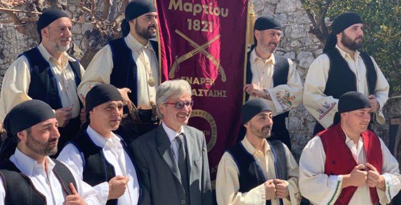 Οι Μανιάτες «σφυροκοπούν» τους εθνομηδενιστές – Σείστηκε η γη με το «Μακεδονία ξακουστή» στην Αρεόπολη Λακωνίας