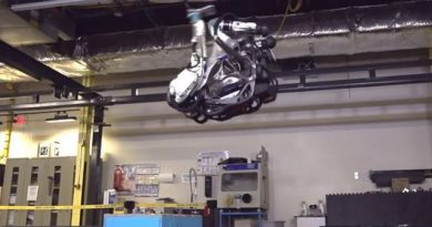 Boston Dynamics Robot Is Done Being Pushed Around, Learns to do a Backflip 5