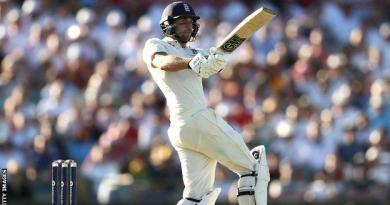 Ashes: Dawid Malan 'almost in tears' after reaching maiden Test century 4