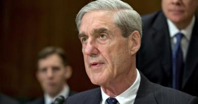Trump ordered aides to smear possible FBI witnesses: report 2