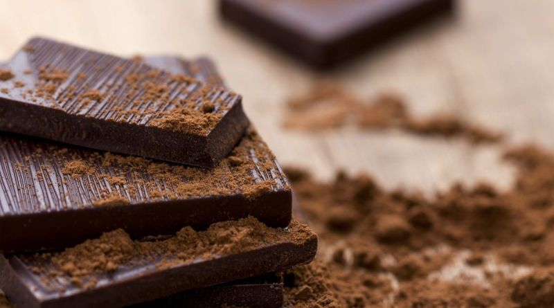 Eating the right kind of dark chocolate will improve your life 3
