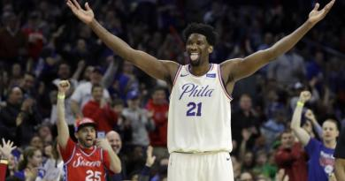 Joel Embiid is trying to go out with Rihanna again 2