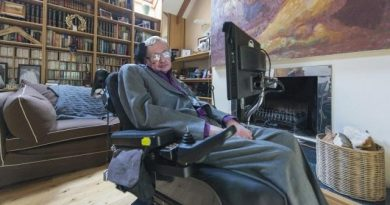 Stephen Hawking's Memorial Service Will Be Open to Time Travelers 6