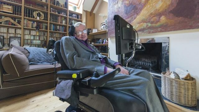 Stephen Hawking's Memorial Service Will Be Open to Time Travelers 3