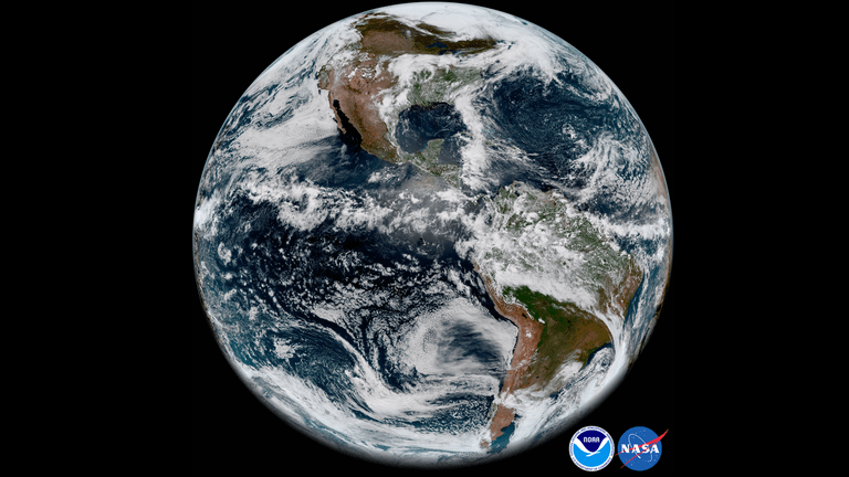 A Weather Satellite Just Beamed Down Absolutely Gorgeous Photos of Earth 16