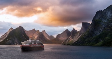 Hurtigruten signs for third hybrid powered expedition ship 4