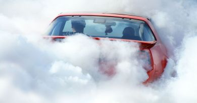 It Only Took One Hour for Canada to Issue Its First Ticket for Smoking Weed in a Car 5