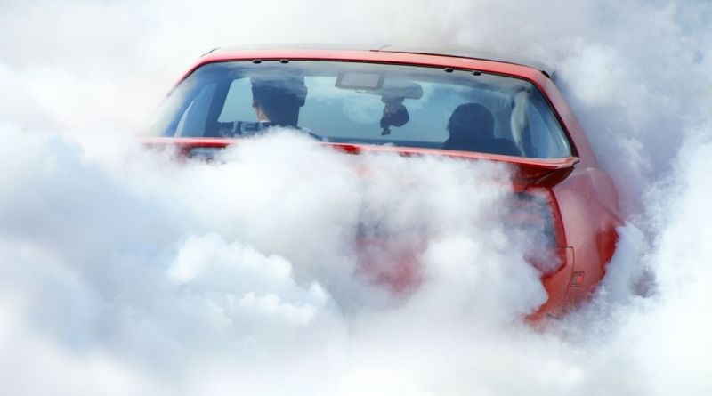 It Only Took One Hour for Canada to Issue Its First Ticket for Smoking Weed in a Car 16