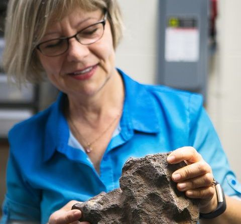 A Rock Used as a Doorstop Turned Out to Be a Meteorite Potentially Worth $100,000 5
