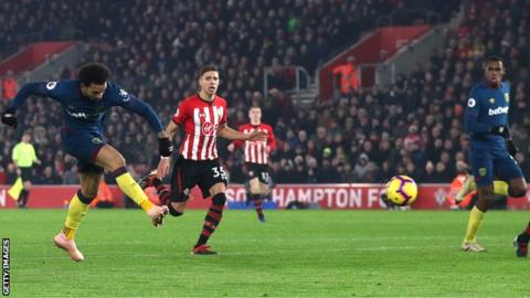 Southampton 1-2 West Ham: Felipe Anderson scores twice as Hammers move into top half 3