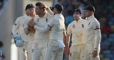 England in West Indies: James Anderson takes four wickets to boost tourists 3