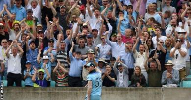Cricket World Cup: Ben Stokes' 'full day out' lights up England victory over South Africa 3