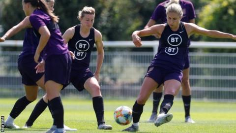 Women's World Cup: England aim for third successive semi-final against Norway 1