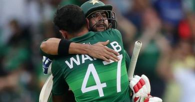 Pakistan beat Afghanistan in Cricket World Cup thriller at Headingley 10