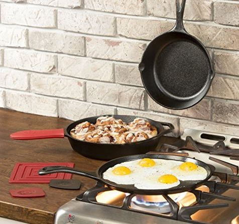 Replace Your Old Nonstick Pans With This Lodge Cast-Iron Set for $50 8
