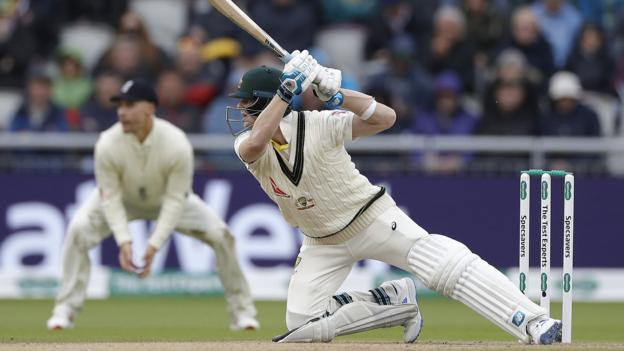Ashes 2019: Steve Smith frustrates England in Old Trafford Test 3