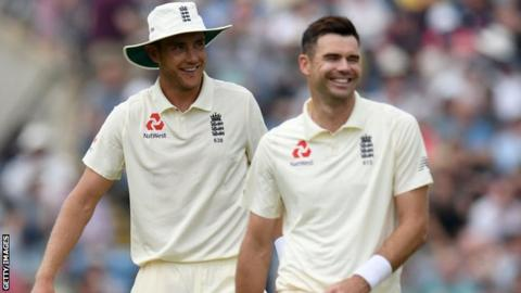 England: James Anderson & Stuart Broad should not play together now - Michael Vaughan 24