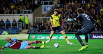 Oxford United 4-0 West Ham: League One side pull off shock 3