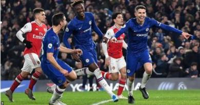Chelsea 2-2 Arsenal: Hector Bellerin earns Arsenal point in London derby 11