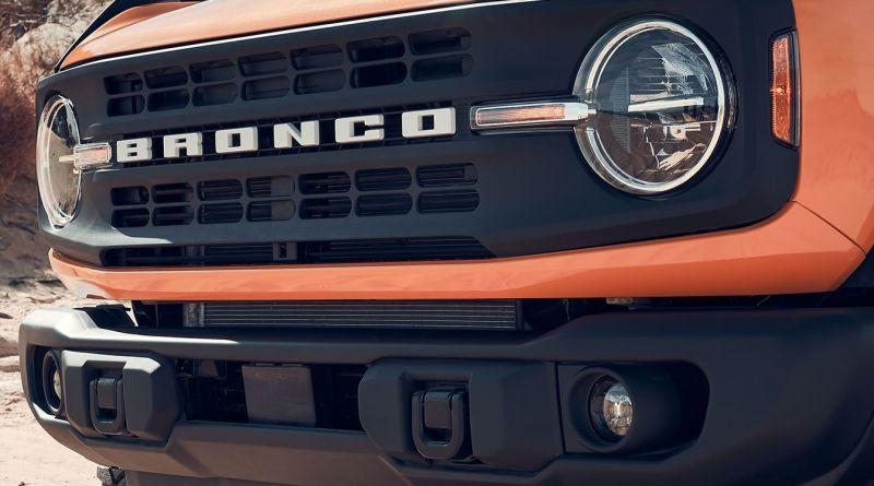 The 2021 Ford Bronco Is Back After 25 Years to Kick Ass and Turn Heads 9