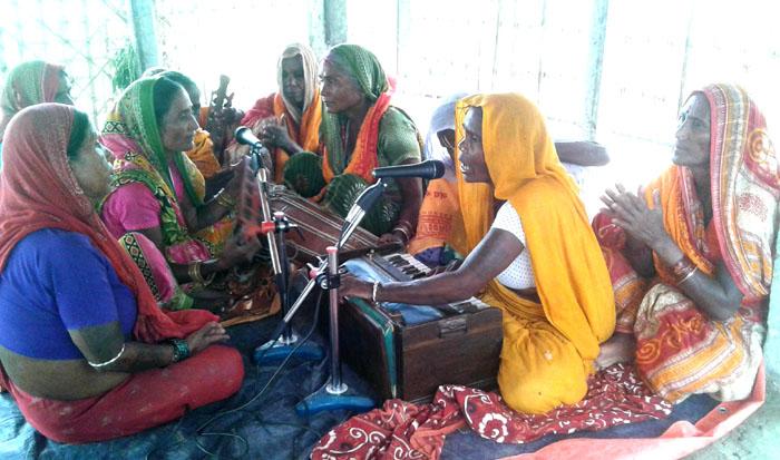 किर्तन मण्डलीको बिँडो थाम्दै ग्रामिण महिलाहरु