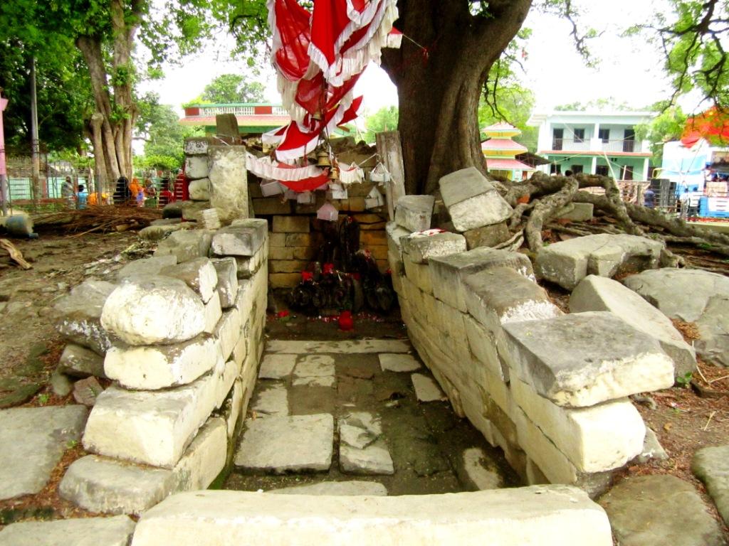 ओझेलमा ऐतिहासिक मानराजा गढी