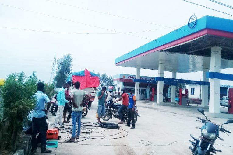 कहाँ पुग्यो अप्टिकल फाईबर काट्ने पेट्रोल पम्प संचालक विरुद्धको कारवाही ?